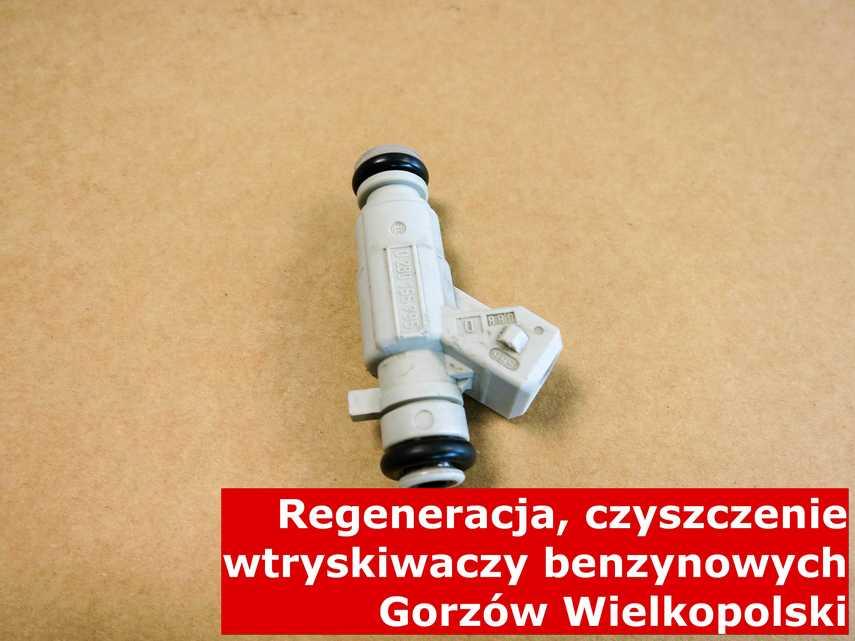 Wtrysk wtrysku bezpośredniego w Gorzowie Wielkopolskim na stole w laboratorium, wyczyszczony na specjalnej maszynie