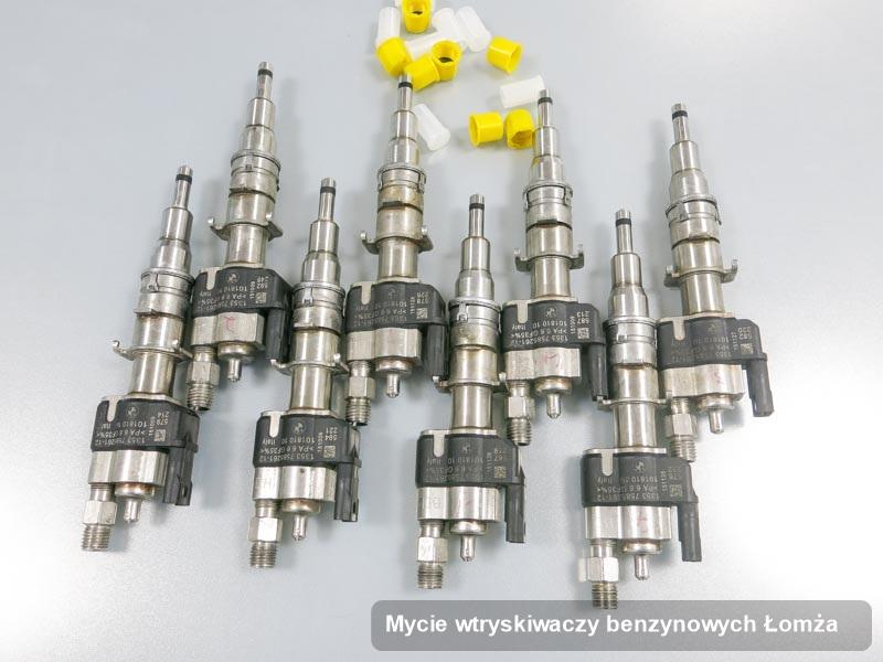 Wtryskiwacz do benzyny naprawiony na specjalnej aparaturze pomiarowej po zrealizowaniu serwisu mycie wtryskiwaczy benzynowych w jednej z pracowni w Łomży