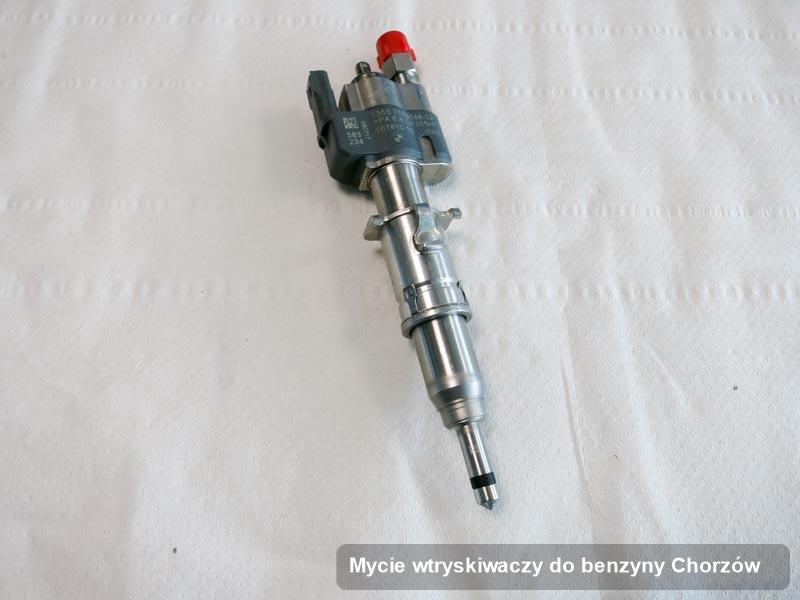 Wtryskiwacz benzyny oczyszczony na profesjonalnej aparaturze pomiarowej po przeprowadzeniu usługi mycie wtryskiwaczy do benzyny w wybranym z warsztatów w Chorzowie