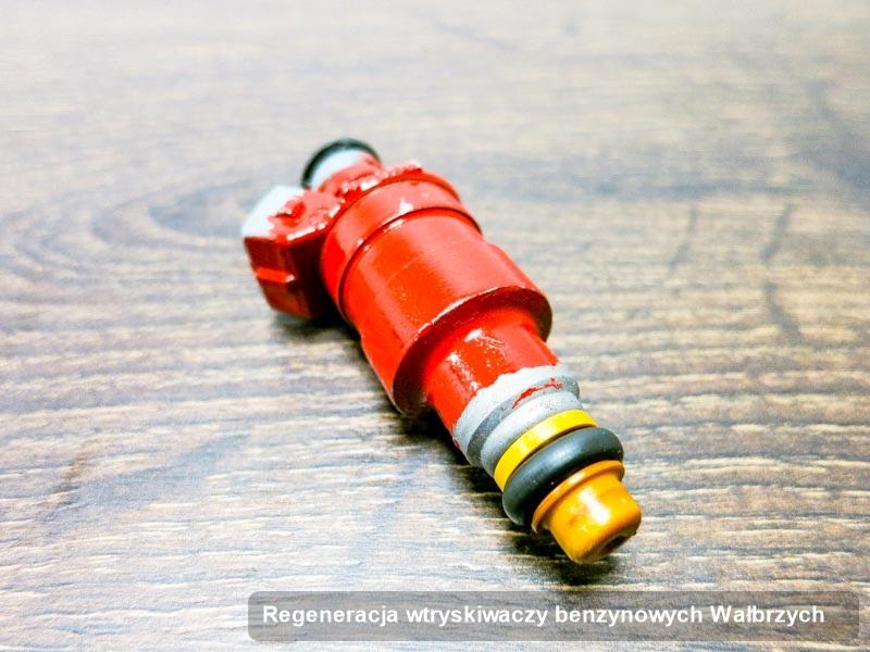 Wtryskiwacz zdiagnozowany na specjalnej maszynie po wdrożeniu serwisu regeneracja wtryskiwaczy benzynowych w wybranej z firm z Wałbrzycha