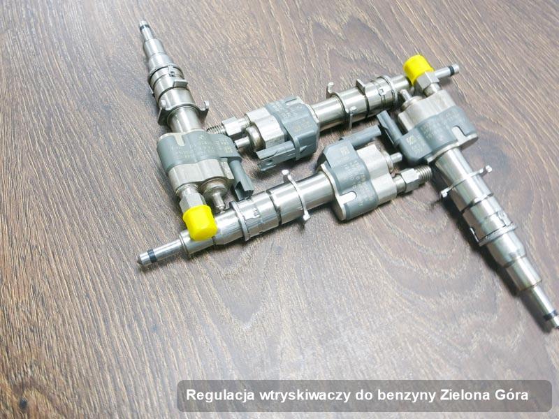 Wtryskiwacz benzyny zregenerowany poprzez czyszczenie na specjalistycznej maszynie po wykonaniu serwisu regulacja wtryskiwaczy do benzyny w jednym z warsztatów w mieście Zielona Góra
