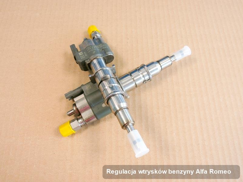 Wtryskiwacz do benzyny do osobówki z logo Alfa Romeo po zrealizowaniu usługi regulacja wtrysków benzyny wyregulowany na specjalistycznej stacji diagnostycznej przed wydrukiem parametrów