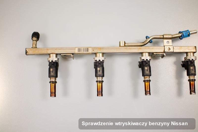 Wtryskiwacz do samochodu marki Nissan po wykonaniu serwisu sprawdzenie wtryskiwaczy benzyny wyczyszczony na odpowiednim urządzeniu przygotowany do wysyłki