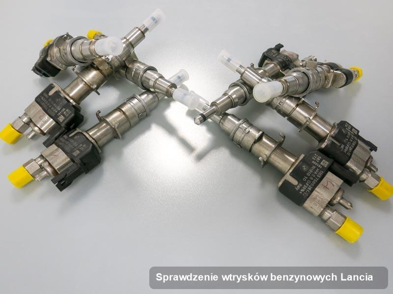 Wtrysk do benzyny do pojazdu marki Lancia po przeprowadzeniu serwisu sprawdzenie wtrysków benzynowych naprawiony na odpowiedniej maszynie przed spakowaniem