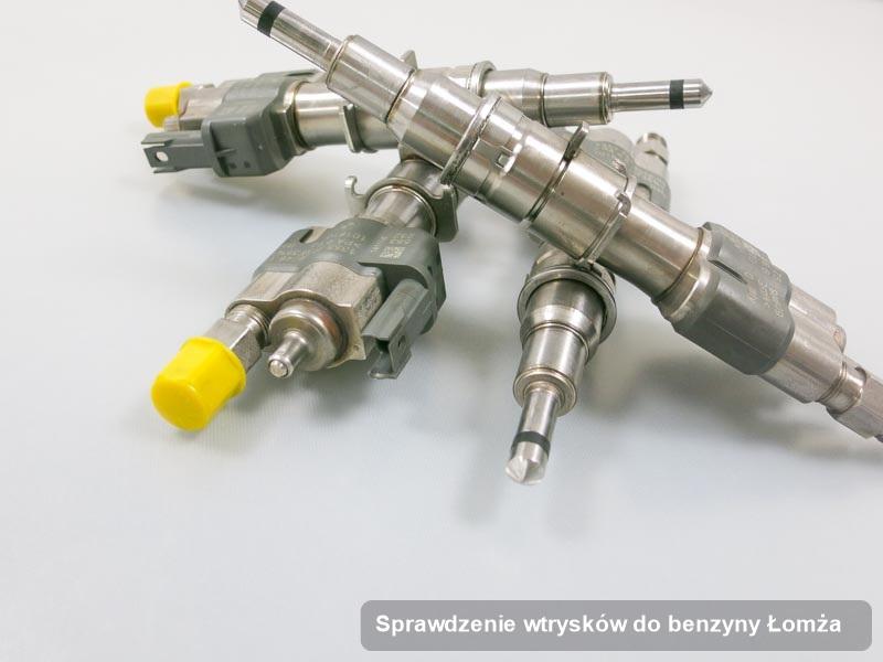 Wtrysk do benzyny wyczyszczony na specjalistycznej stacji diagnostycznej po przeprowadzeniu zlecenia sprawdzenie wtrysków do benzyny w jednym z warsztatów w Łomży