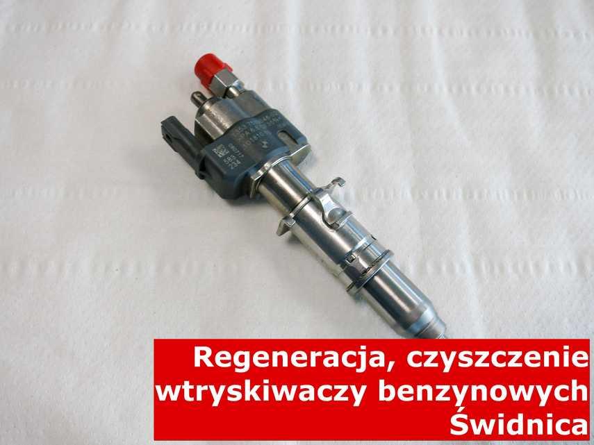 Wtrysk piezoelektryczny z Świdnicy w laboratorium, zrewitalizowany przy pomocy specjalnej maszyny