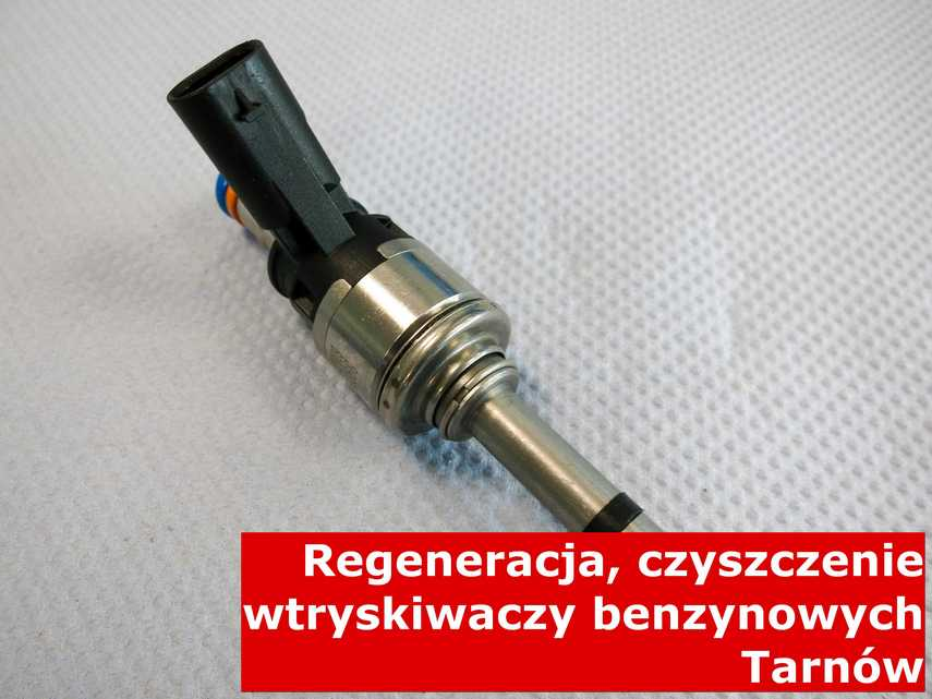 Wtryskiwacz bezpośredni jednopunktowy w Tarnowie w pracowni na stole, naprawiony na odpowiednim sprzęcie