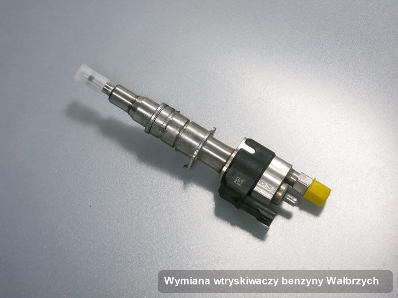 Wtryskiwacz benzyny zdiagnozowany na specjalnej maszynie po wykonaniu serwisu wymiana wtryskiwaczy benzyny w wybranej pracowni z Wałbrzycha