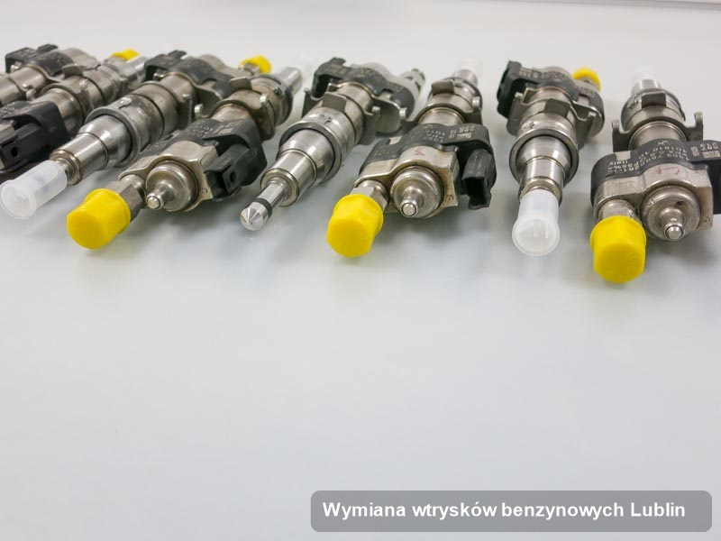 Wtrysk benzyny zregenerowany poprzez czyszczenie na profesjonalnej maszynie po wykonaniu zlecenia wymiana wtrysków benzynowych w wybranym z warsztatów z Lublina